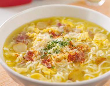 スペイン風にんにくスープ塩らーめん
