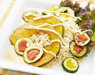 夏バテ防止に。 夏野菜のサラダー麺