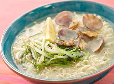あさりの塩エスニックスープ麺