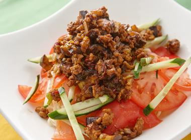 夏野菜の冷やしジャージャー麺
