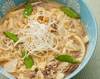 旬の筍と牛肉のアジアンスープ麺