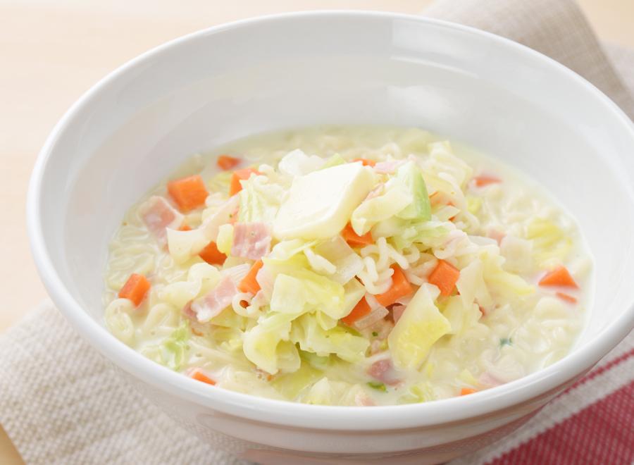 野菜たっぷり!ガリバタ塩ラーメン